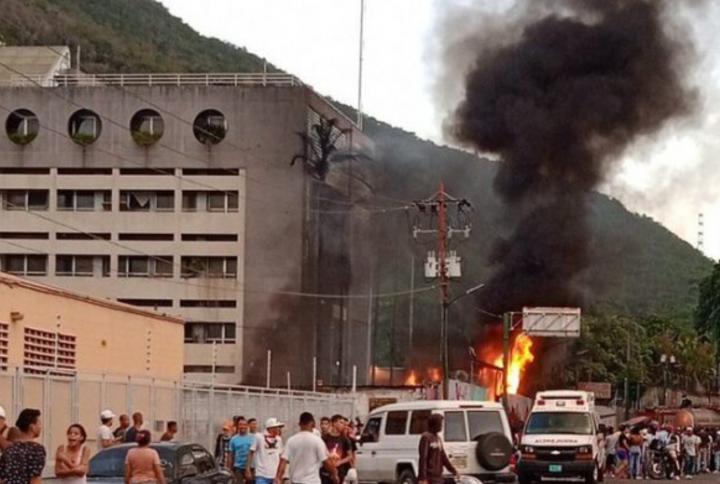 Reportaron incendio en la parroquia Antímano
